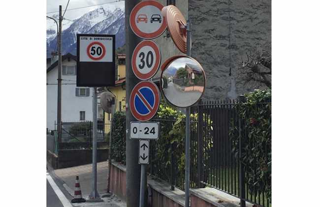 cartelli velocita contrasto