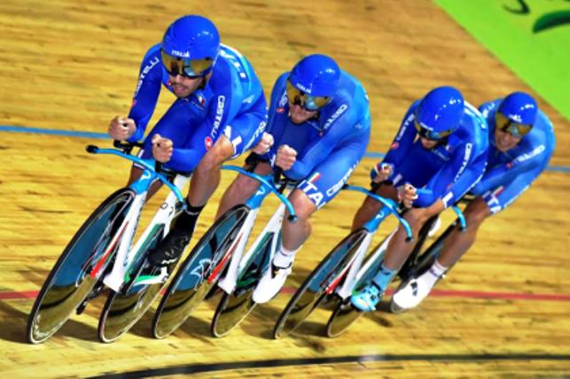 Europei pista ad Apeldoorn: è subito super Viviani: è d'oro nell'eliminazione