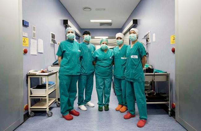 infermiere corridoio ospedale covid