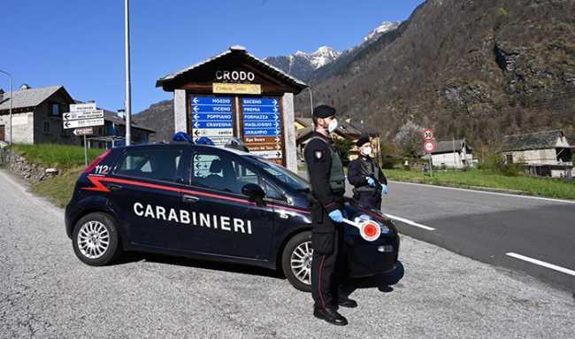 mascherina caranbinieri Foto CC Crodo